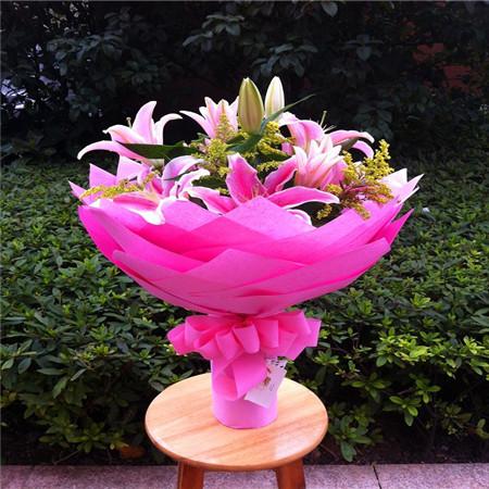 鲜花礼品店-粉色花语