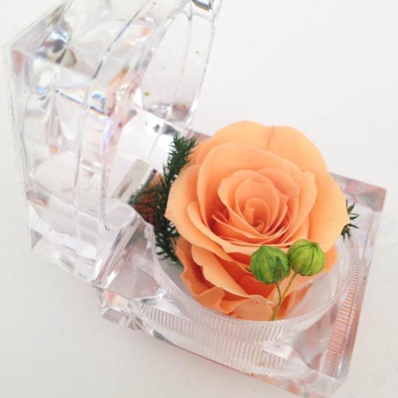 鲜花店-戒指盒保鲜花-香槟玫瑰