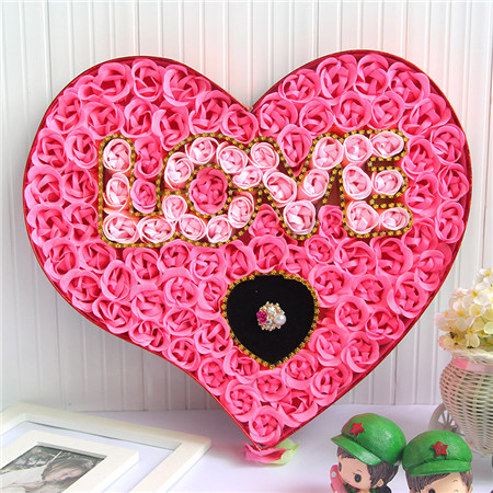 预订鲜花-100朵love戒指粉色