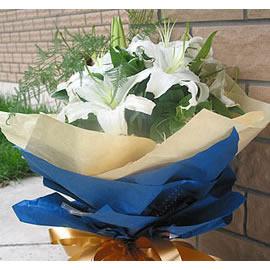 买花篮                                                                                              鲜花网:七月的鲜花