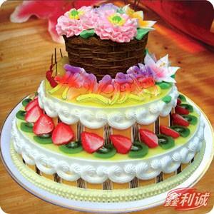 冬至节礼物                                                                                          鲜花网:3层鲜奶水果蛋糕