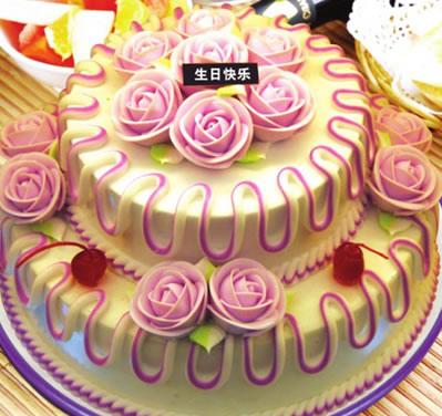 天津鲜花店:多层水果蛋糕