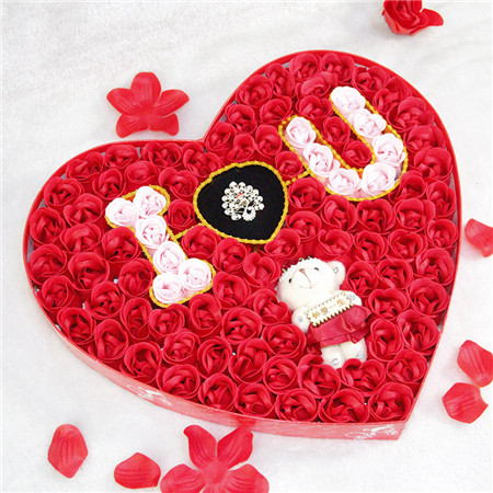 陶波鲜花礼品-香皂花-100朵浪漫IU小熊戒指红色