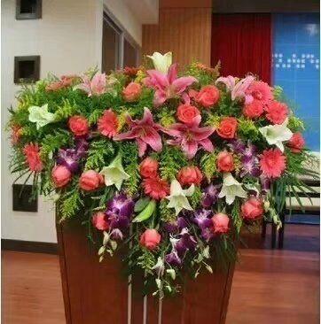台湾送花-讲台花5