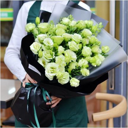 新年礼物                                                                                            鲜花网:永远爱你