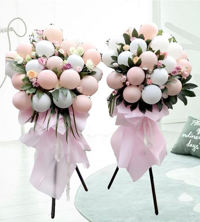 鲜花配送网                                                                                          鲜花网:网红气球花篮A款(单个价格)