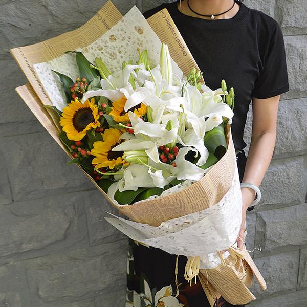 端午节礼物                                                                                          鲜花网:七月的鲜花
